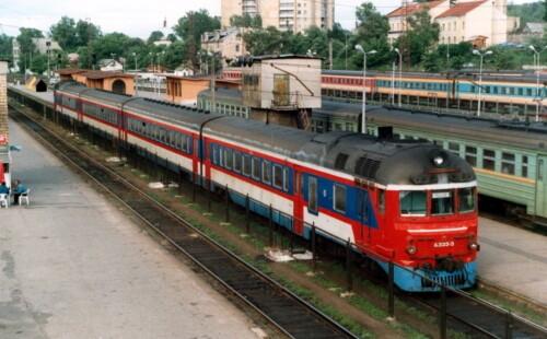 Д1-333. Литва, Вильнюс, станция Вильнюс. Прислал на TrainPix: В.В. Виноградов (архив). Дата: Июнь 1997 г.