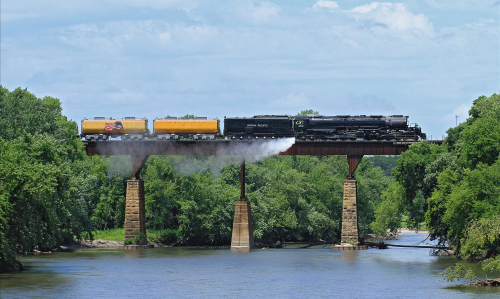 UP 4014. США, Айова, Jefferson, мост через реку Raccoon. Автор: B-Rad G!. Дата: 15 июля 2019 г.