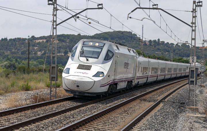 130-025-0. Испания, Таррагона, перегон Таррагона - Торредембарра. Автор: Diesellokophren. Дата: 27 июня 2017 г.