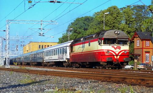 Dr13-2311. Финляндия, Turku. Автор: Klonos Rail Photos. Дата: 18 августа 1996 г.