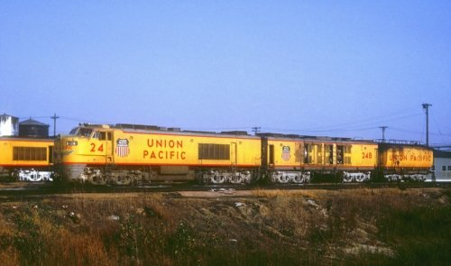X 24. США, штат Айова, Каунсил-Блафс. Автор: Chuck Zeiler. Дата: октябрь 1963 г.